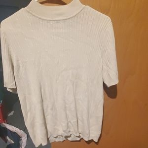 Cream colored short sleeved sweater❤